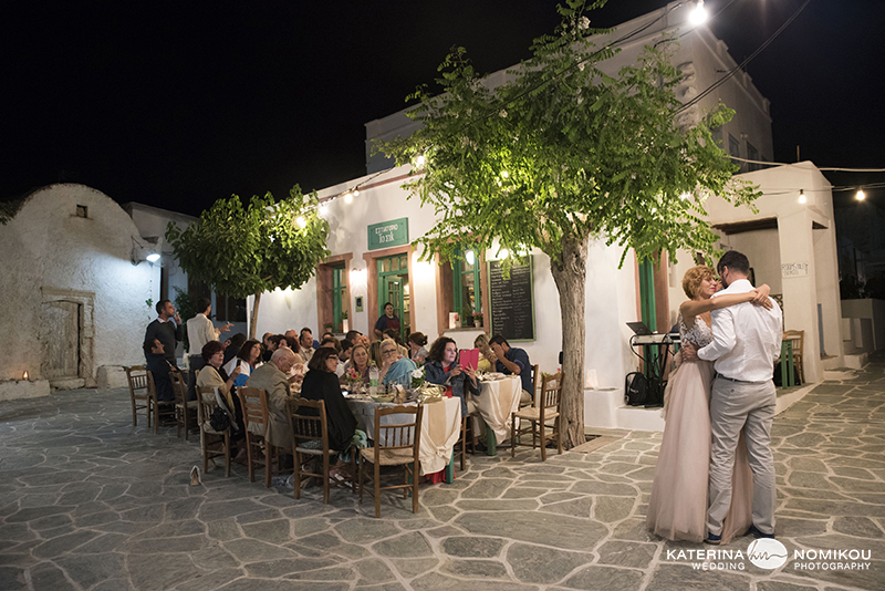 folegandros chic dexiwsi gamos wedding reception 11