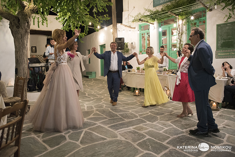 folegandros chic dexiwsi gamos wedding reception 13