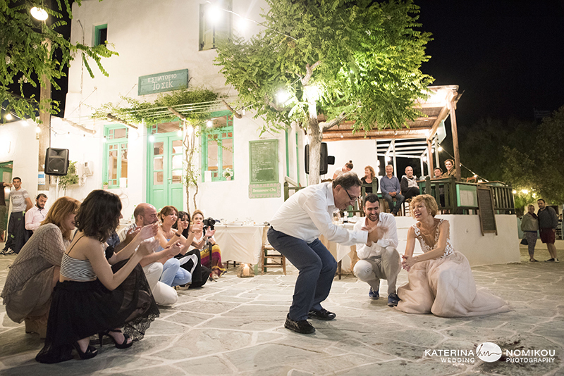 folegandros chic dexiwsi gamos wedding reception 22