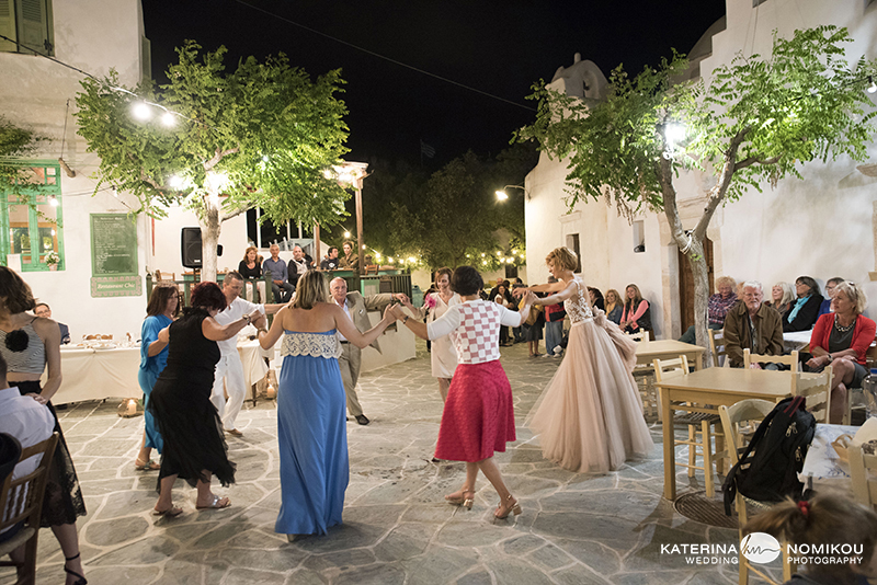 folegandros chic dexiwsi gamos wedding reception 23