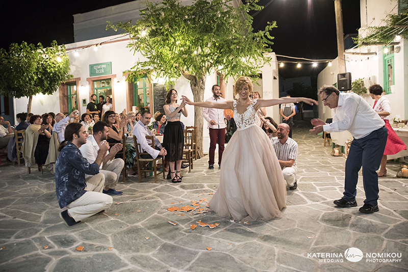 folegandros chic dexiwsi gamos wedding reception 25