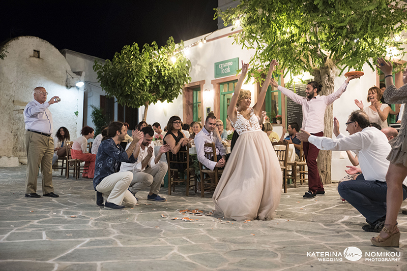 folegandros chic dexiwsi gamos wedding reception 26