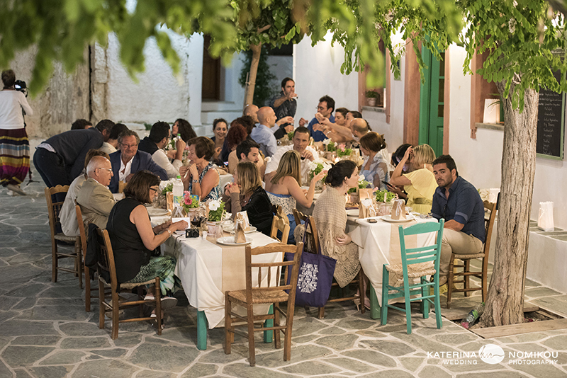 folegandros chic dexiwsi gamos wedding reception 3
